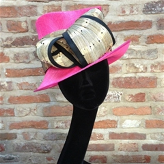 neon pink small brim with neutral contrasting loop.