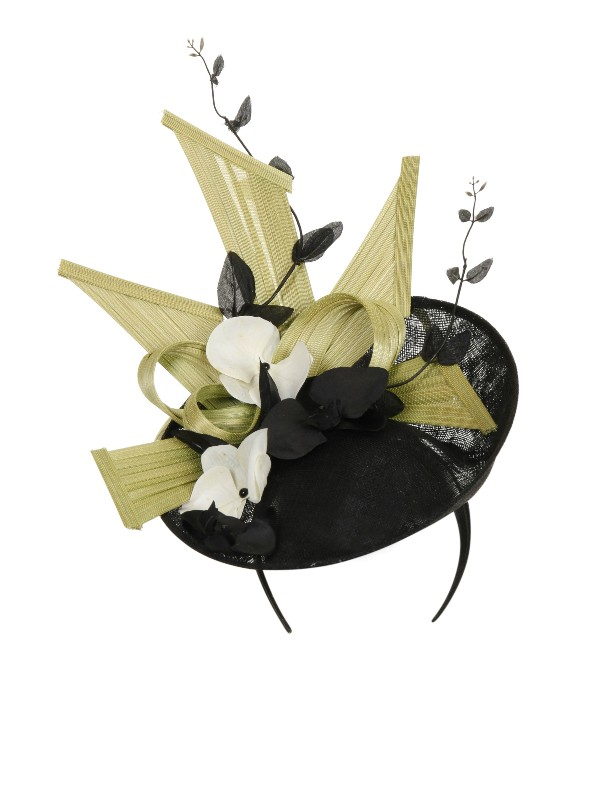 Black disc fascinator with pale green 80fed94162e
