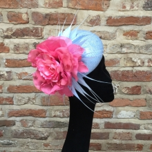 blue straw beret with pink rose
