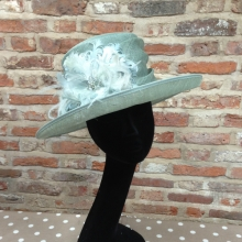 small brim hat in mint green/aqua
