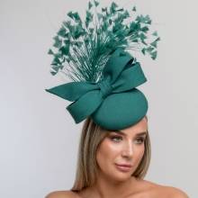 beret headpiece in emerald green